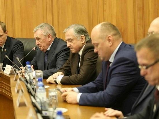 Сенаторам в Калмыкии показали лубок