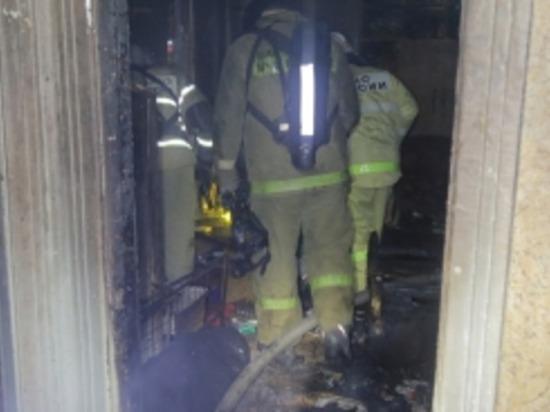 В Рославльском районе жильцы квартиры и пожарные тушили матрас