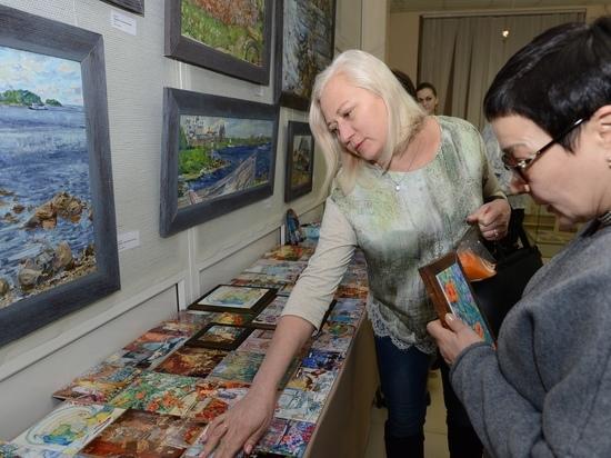 В Ноябрьск приехала выставка «Ветер Цветов»