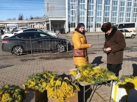 В Калуге ловят торговцев цветами