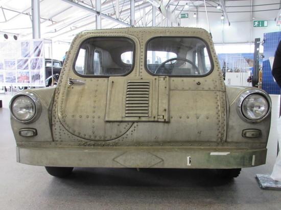 Москвичам показали секретный автомобиль-амфибию