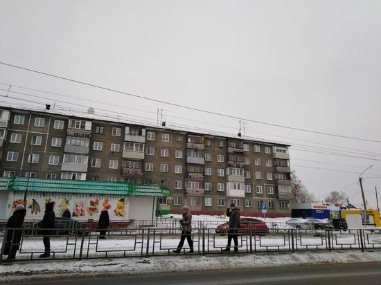 Прокуратура обязала мэрию Барнаула отремонтировать дом с дырявой крышей