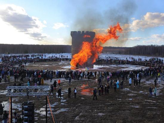 Двадцатиметровую Бастилию сожгли в Николо-Ленивце