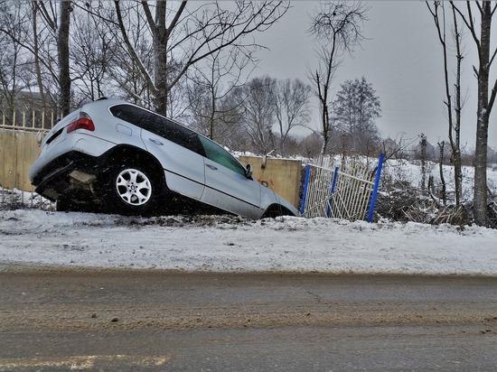 Псковскому водителю ограничили свободу из-за тяжёлых травм пассажира