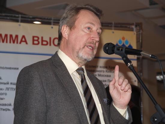 Липецкий писатель Юрий Воробьевский нашел свое объяснение сразу нескольким известным событиям