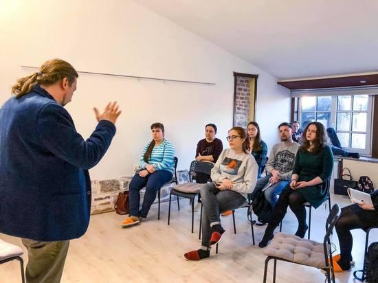 Ученики псковской Школы межэтнической журналистики убедились в живучести фашистской пропаганды