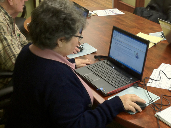 Ямальские пенсионеры постигают азы компьютерной грамотности