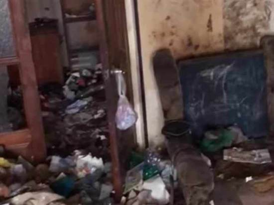 «Странный запах из квартиры ее мать объясняла проблемой с трубами»