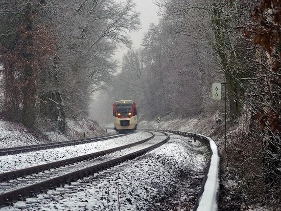 Под Калугой девушку в наушниках сбил поезд
