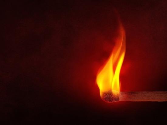 В Сафоновском районе пожарных вызвали тушить постель