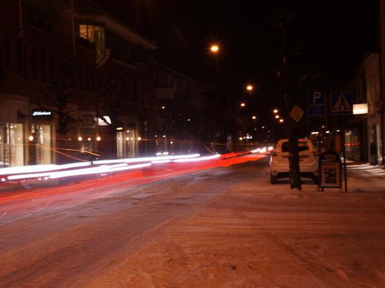 В столице ЯНАО под колеса авто попала второклассница
