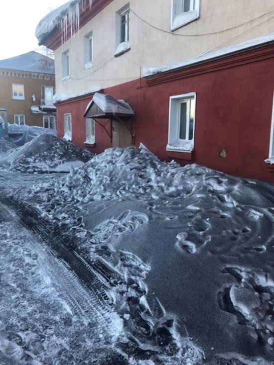 В Кузбассе наказали ответственных за выпадение чёрного снега