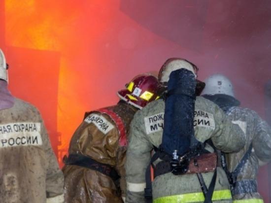 В Рославле в ангарном цехе горела покрасочная камера