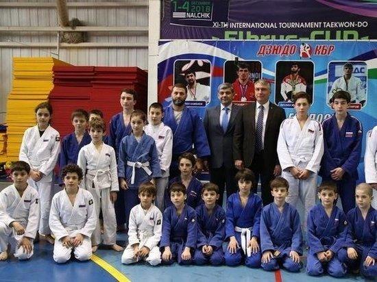 Александр Матовников пообщался со спортсменами и тренерами КБР