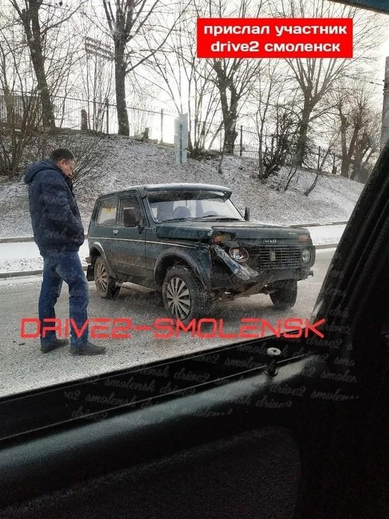Тройное ДТП на Дзержинского в Смоленске образовало затор