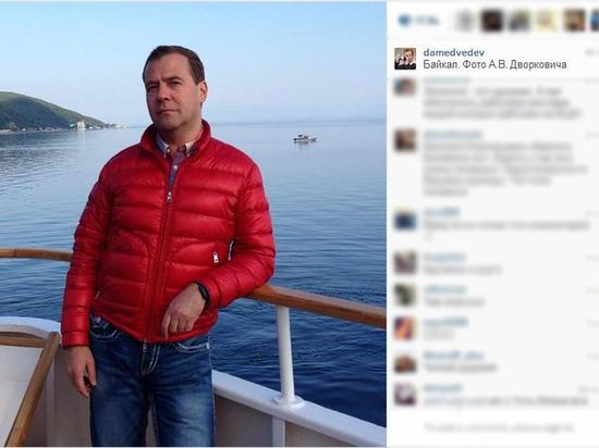 Медведев пообещал разобраться с заводом на Байкале
