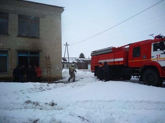 Из-за пожара в школе Ульяновской области эвакуировано 115 человек