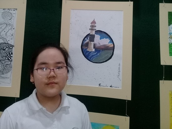 Калмыцкая детская студия открыла выставку картин