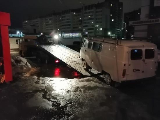 В Ульяновске эвакуировали УАЗ как объект незаконной торговли