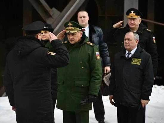 Шойгу проверил строительство морских носителей для «Булавы» и «Цирконов»