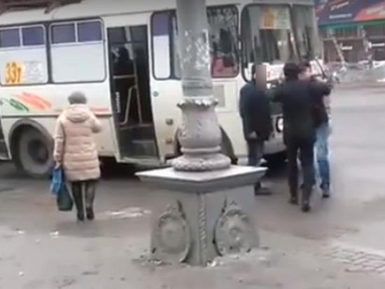 В Кемерове случилась драка с участием водителя маршрутки