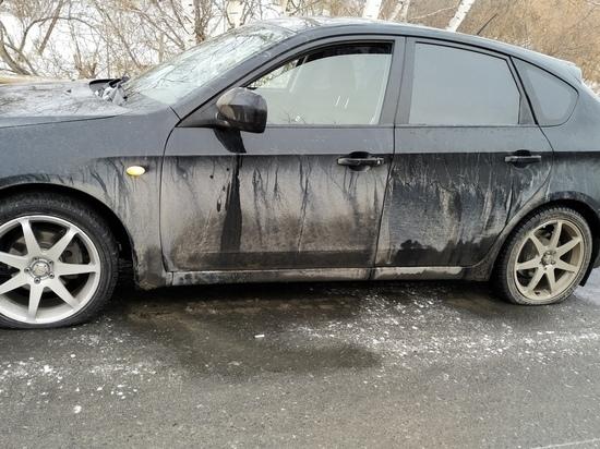 Кемеровская автомобилистка ищет очевидцев происшествия с ледяной ямой