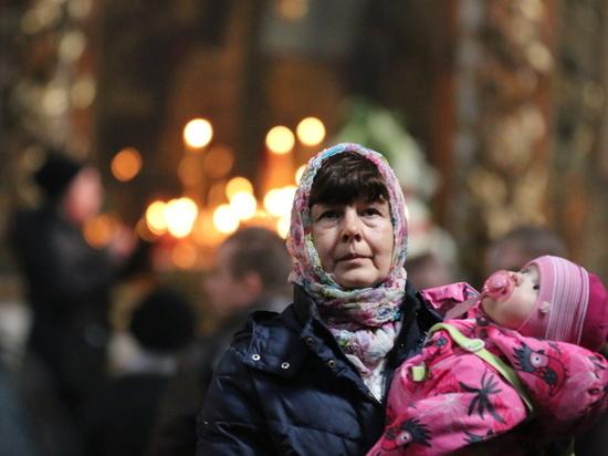 Жители страны стали чаще соблюдать религиозные традиции и ограничивать себя