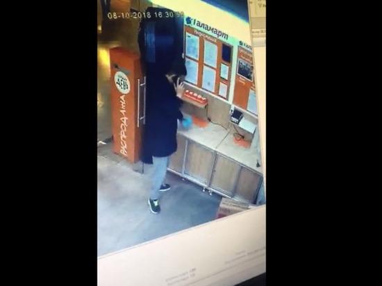 В Новом Уренгое разыскивают похитителей телевизора