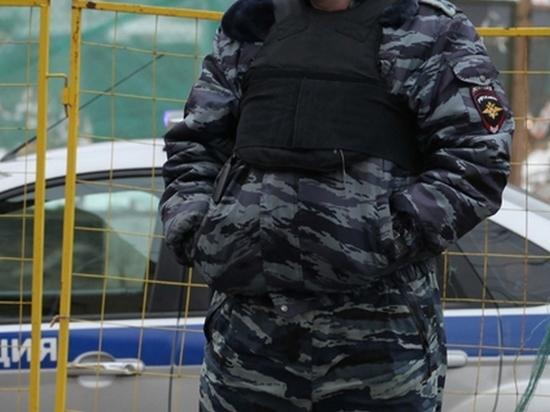 В петербургской коммуналке рядом с трупом матери нашли троих детей
