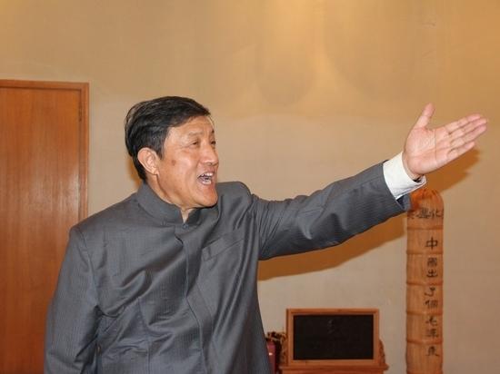 Внучатый племянник Мао Цзэдуна представит книгу «Революция и братья»