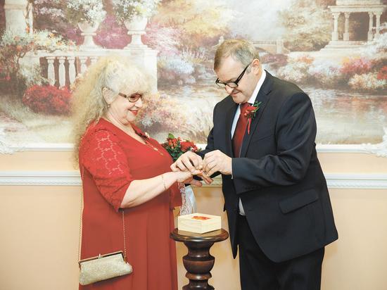 Браки в возрасте 60+ становятся все популярнее: советы «молодым»