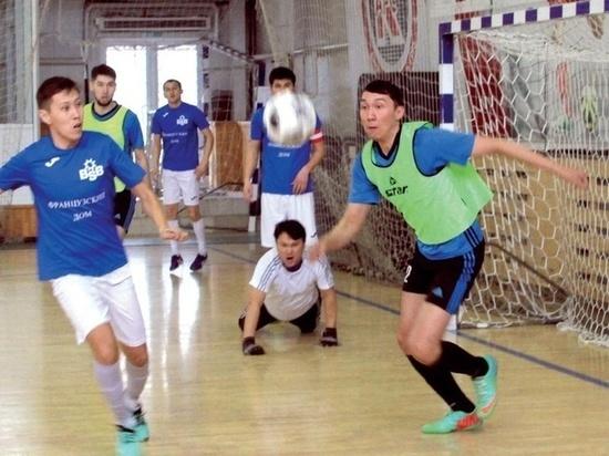 «Французы» в седьмой раз стали чемпионами Алматы по футзалу