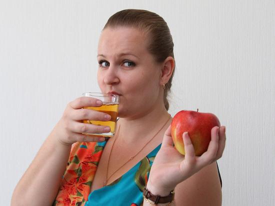 Ученые выяснили, что фруктовый сок снижает риск развития инсульта