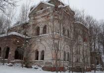 В деревне Маньково в Смоленской области умирает роскошь