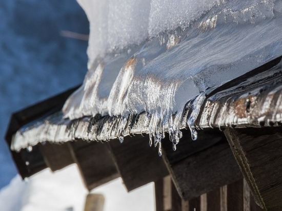 После падения льда на жительницу Дзержинска возбуждено уголовное дело