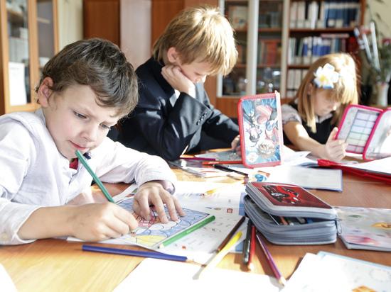 Стало известно, где проведут весенние каникулы российские школьники
