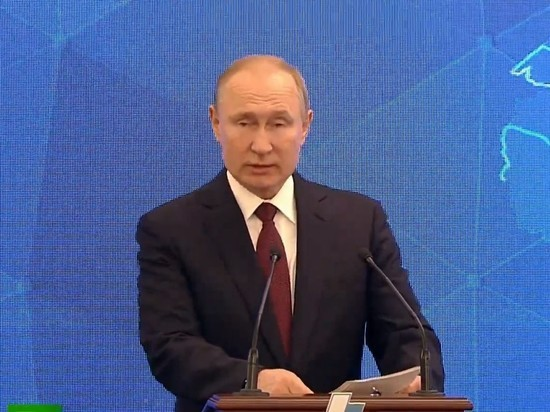 Путин пообещал на съезде РСПП защитить инвестиции бизнеса