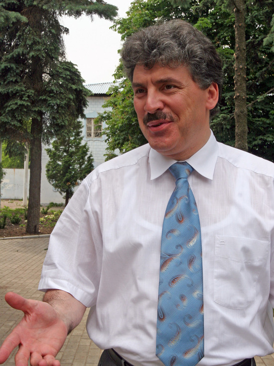 Зюганов подтвердил передачу мандата Алферова Павлу Грудинину