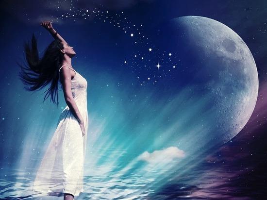 Астрологи рассказали, какие знаки зодиака становятся лучшими любовницами