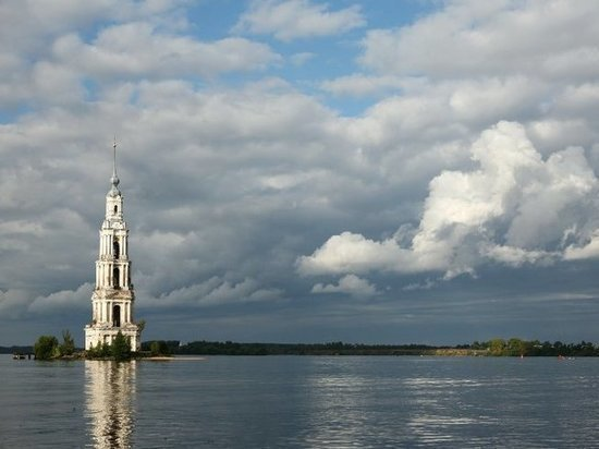 Затопленная колокольня в Калязине перейдет в собственность региона