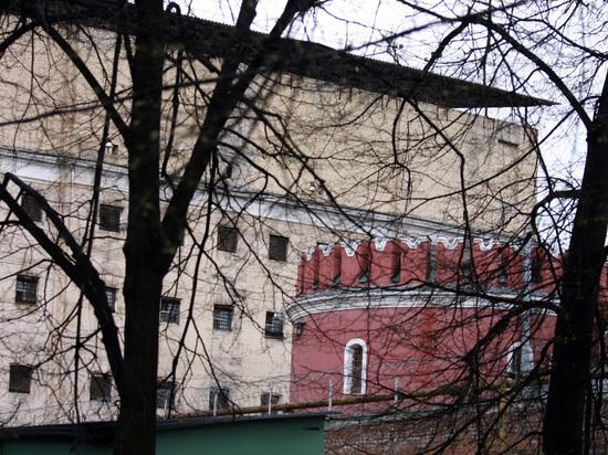 ФСИН отчиталась о нехватке мест в тюрьмах: убегать стали реже