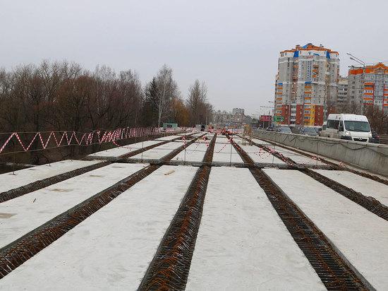 В Брянске на Первомайском мосту уложены 42 балки