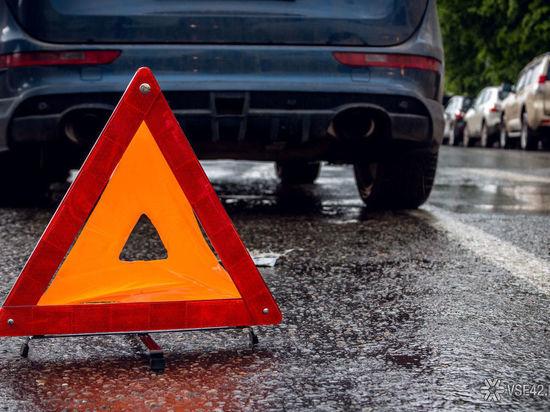 В серьезном ДТП в Кузбассе травмировались два человека