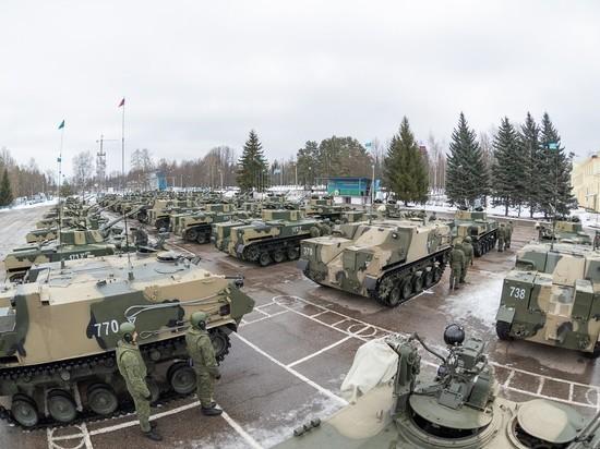 Новейшие боевые машины поступили на вооружение 76-й дивизии