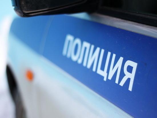 Мужчина пытался выгнать полицейских из квартиры своих друзей в Тверской области