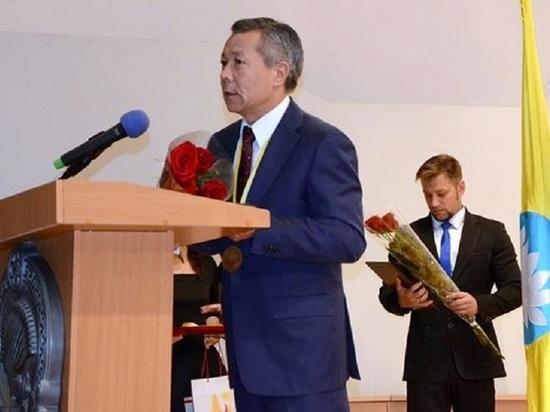 Экс-глава администрации руководителя Калмыкии заявил, что похищенные у фермеров деньги были отданы в руки Орлову