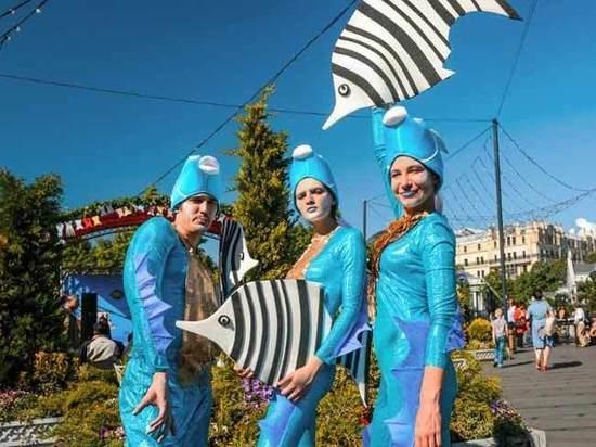 Крымская весна расцветает в Москве