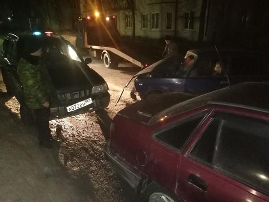 Пьяный водитель в Тверской области собрал в кучу две машины и уехал