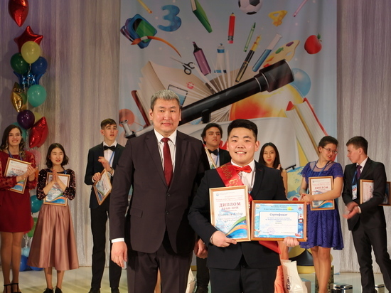 Учеником года-2019 стал школьник из Курумканского района Бурятии