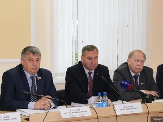 Псковская гордума разыграла контракты с прессой на 2,7 млн рублей